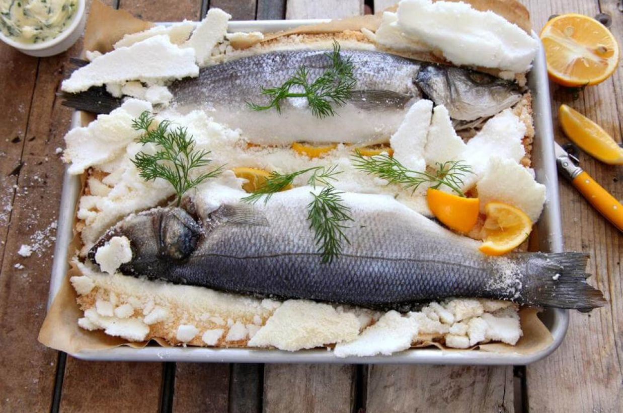 FISH MENU WITH FISH IN SALT CROST